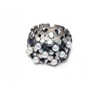Knolle mit 9 perlen